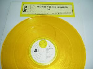 """4529 - Eurythmics - Sweet Dreams (Are Made Of This) - The USA - 12"""" Single - AM 9031"""