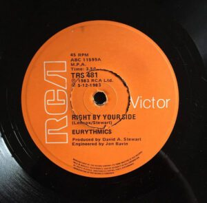 """5896 - Eurythmics - Right By Your Side - South Africa - 7"""" Single - TRS 481"""