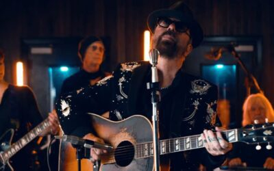 """See Dave Stewart perform Tom Petty's song """"It's Good To Be King"""" as we commerate the 4th anniversary of his passing."""