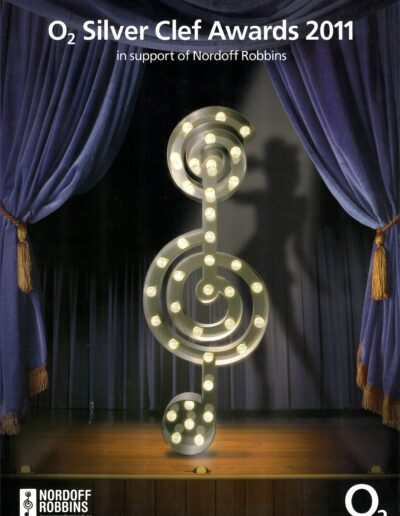 Programme : 2011-07-01 – Annie Lennox – Norfoff Robbins Silver Clef Awards from The UK ID: 2645