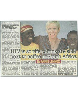 2004-12-01 - Annie Lennox - The Sun from The UK ID: 2292